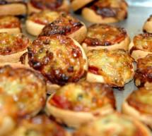 Schnelle Pizzabrötchen