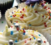 Zitronen-Buttermilch Cupcakes